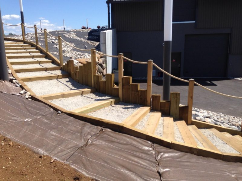 escalier bois brasserie 360 et pose de toile polyéthylène